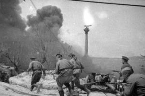 Пехота в бою (кадр фильма)