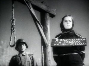 """Кадр из фильма """"Она защищает Родину"""", реж. Ф.Эрмлер"""